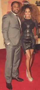 Necole Bitchie wins Best Soul Site at 2011 Soul Train Awards.