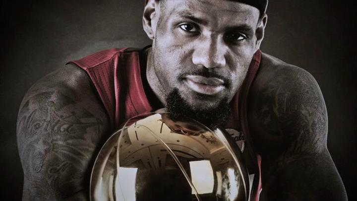 King James captures the crown!
