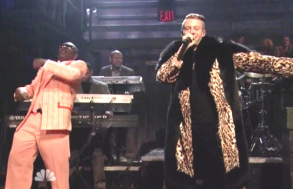 Macklemore-performs-Thrift-Shop-on-Jimmy-Fallon