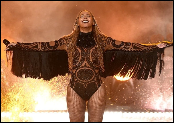 Beyonce-performs-Freedom-Kendrick-Lamar