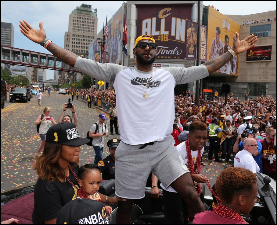 King-James-Championship-Parade-2016